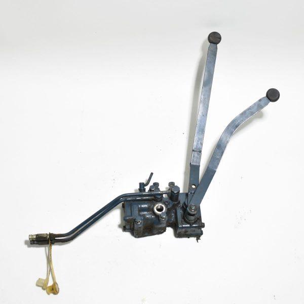 lift and hydraulic valve block Kubota B1600
