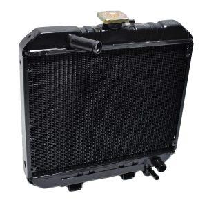 1553172060 / 15531-72060 / 15531-7206-0 1553172110 / 15531-72110 / 15531-7211-0 1574172060 / 15741-72060 / 15741-7206-0 RADIATOR KUBOTA B1600, B1702 Kubota: B1600 B1702 Dimensions: Width: 400mm Height: 415mm (without filler cap) Thickness: 50mm Connection at the top: 25mm Connection at the bottom: 25mm Including overpressure hose