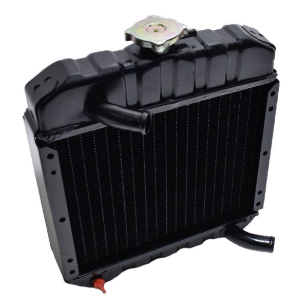 1526172061 / 15261-72061 / 15261-7206-1 RADIATOR KUBOTA B5000 Kubota: B5000 Dimensions: Width: 330mm Height: 360mm (without the filler cap) Thickness: 70mm Connection at the top: 25mm Connection at the bottom: 25mm Including overpressure hose
