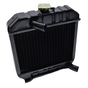 1537172060 / 15371-72060 / 15371-7206-0 RADIATOR KUBOTA B6001, B6100, B7001, B7100 Kubota: B6001 B6100 B7001 B7100 Dimensions: Width: 365mm Height: 415mm (without the filler cap) Thickness: 65mm Connection top: 35mm Connection bottom: 35mm Including overpressure hose